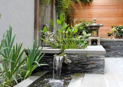 Taman dengan suara percikan air baik untuk rileksasi